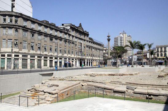 O Cais do Valongo foi local de desembarque e comércio de escravos entre 1811 e 1831 no Rio de Janeiro