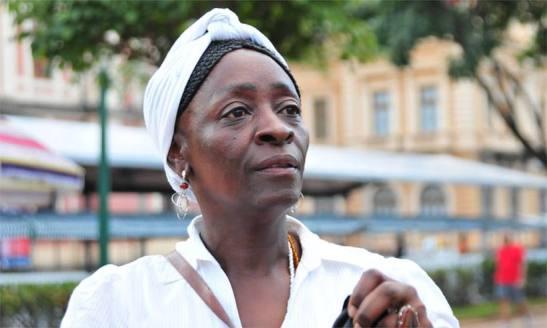 2.1 - Marisa Nzinga, de 50, socióloga e professora