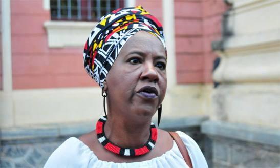 4.1 Makota Kidoialê, de 48 anos, secretária-executiva