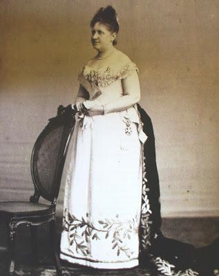 1887 traje regente isabel henry klumb 41 anos